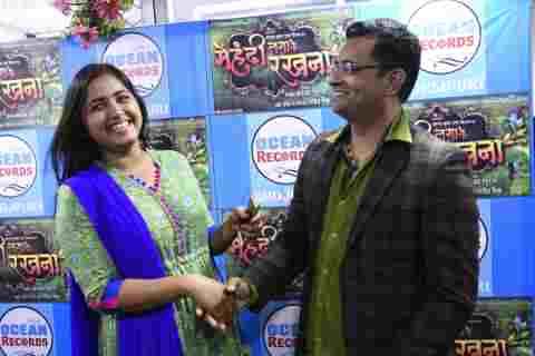 Kajal Raghwani shines in Bhojpuri Film-Mehandi Laga Ke Rakhna