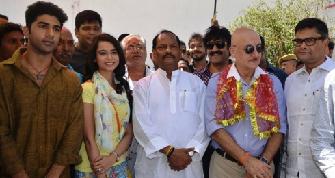 Muhurat of 'Gunde And Gudia' by Raghubar Das in presence of Anupam Kher
