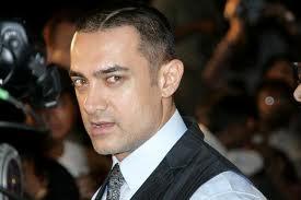 Aamir -Shahrukh rivalry surfaces again