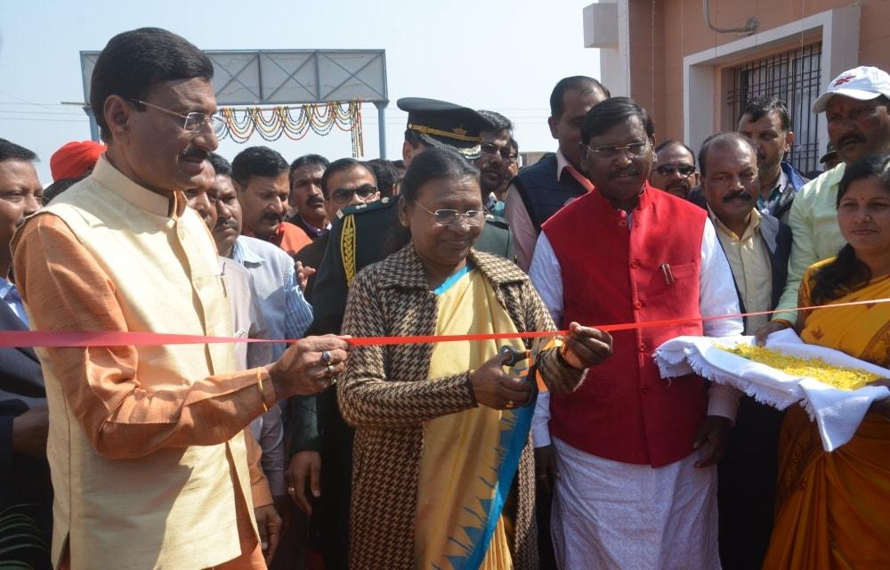 governor-inaugurates-khadi-park-at-saraikela-kharswan
