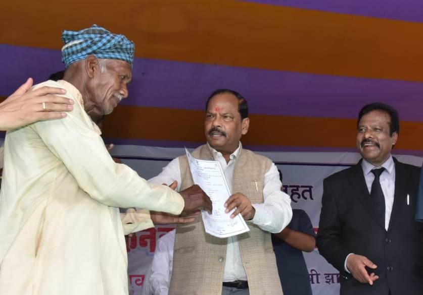 17 सितंबर से 25 सितंबर तक हेल्थ कार्ड बनाने का कार्य एक अभियान के रूप में चलाया जायेगा-रघुवर दास, मुख्यमंत्री