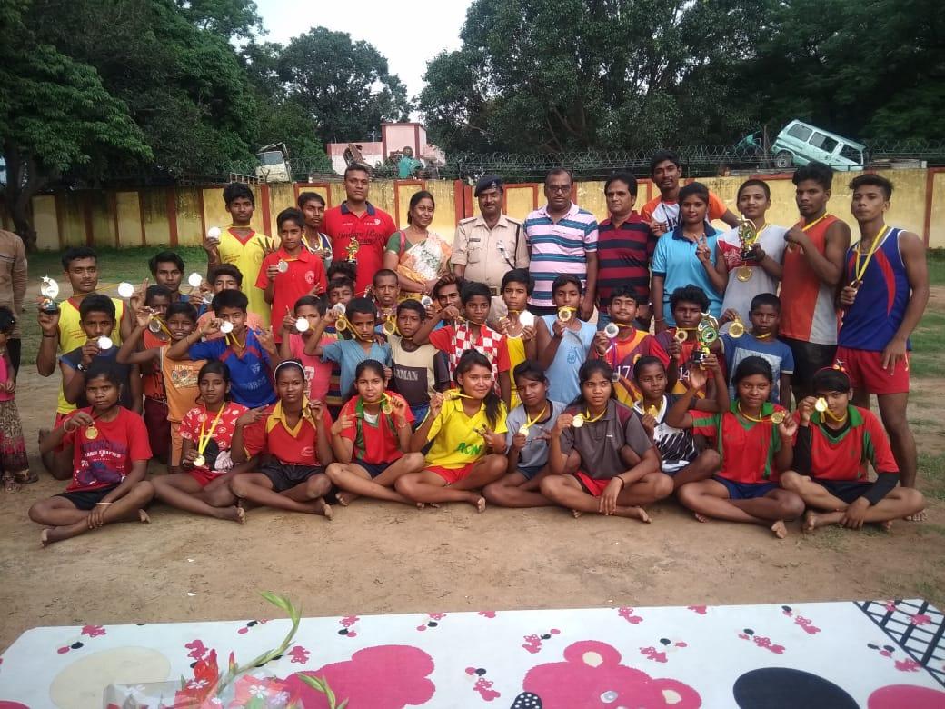 राँची जिला खो खो प्रीमियर लीग बालक वर्ग के फाइनल मैच में डे बोडिंग प्रशिक्षण केन्द्र, धुर्वा विजेता