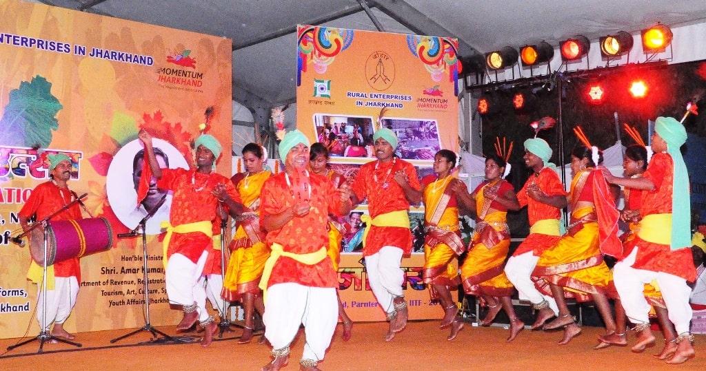 नई दिल्लीः झारखण्ड दिवस में दिखी राज्य की पारम्परिकता और संस्कृति की झलक