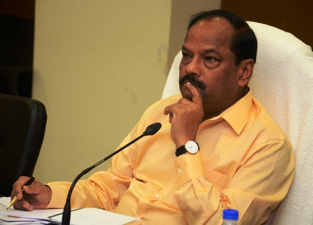 कोल्हान और पलामू प्रमंडल के 6 जिलों के फ्लैगशिप योजनाओं के प्रगति की हुई गहन समीक्षा