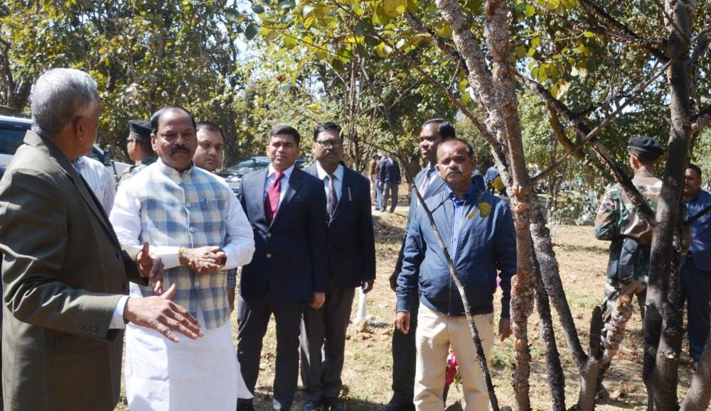 मुख्यमंत्री  ने IINRG नामकुम द्वारा आयोजित किसान मेला सह कृषि मशीन प्रदर्शनी का उद्घाटन किया