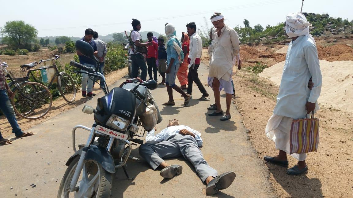 unknown-assailants-shoot-dead-a-milkman