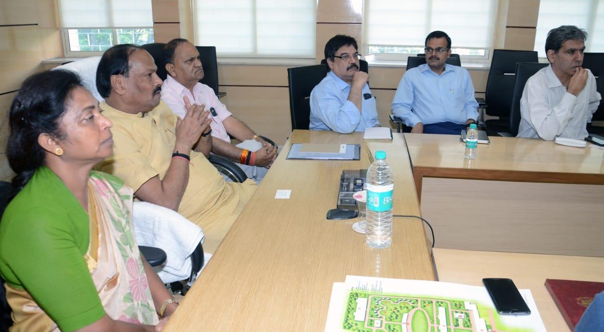 मुख्यमंत्री ने कहा कि भगवान बिरसा मुंडा स्मृति पार्क को देश का सबसे बेहतर शहीद स्मारक स्थल बनाना है