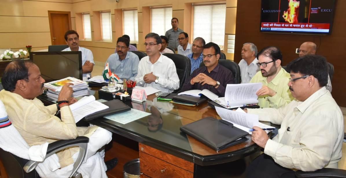 मुख्यमंत्री ने जीआरडीए के कार्यों की समीक्षा की - निर्धारित समय में काम पूरा करने का दिया निर्देश