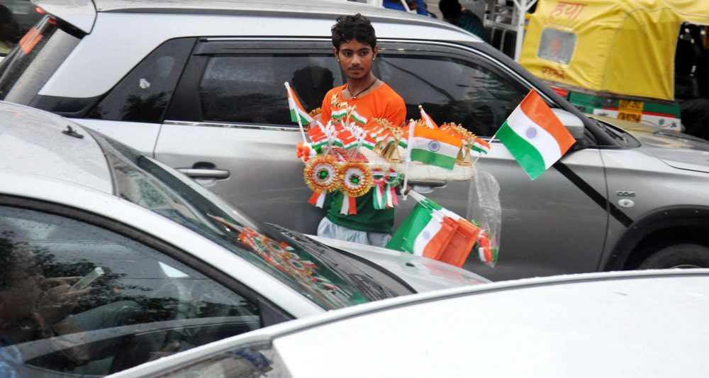 national-flag-sellers-mushroom-on-70th-republic-day