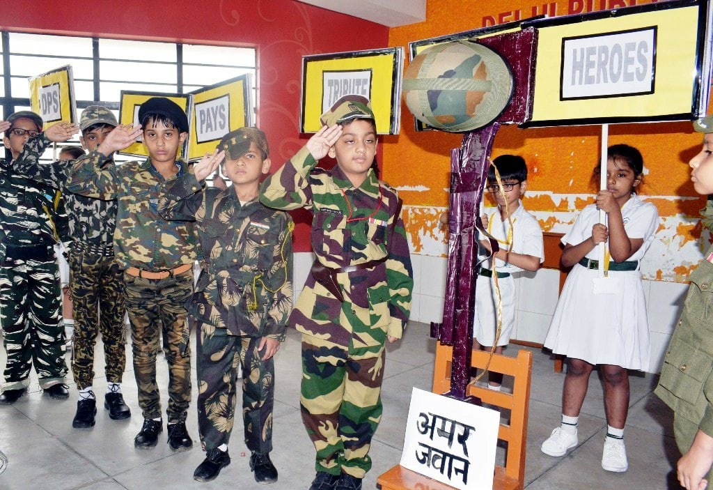 dps-ranchi-students-pay-homage-to-kargil-war-martyrs