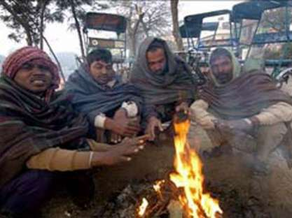 Winter chill,dense fog engulf Jharkhand