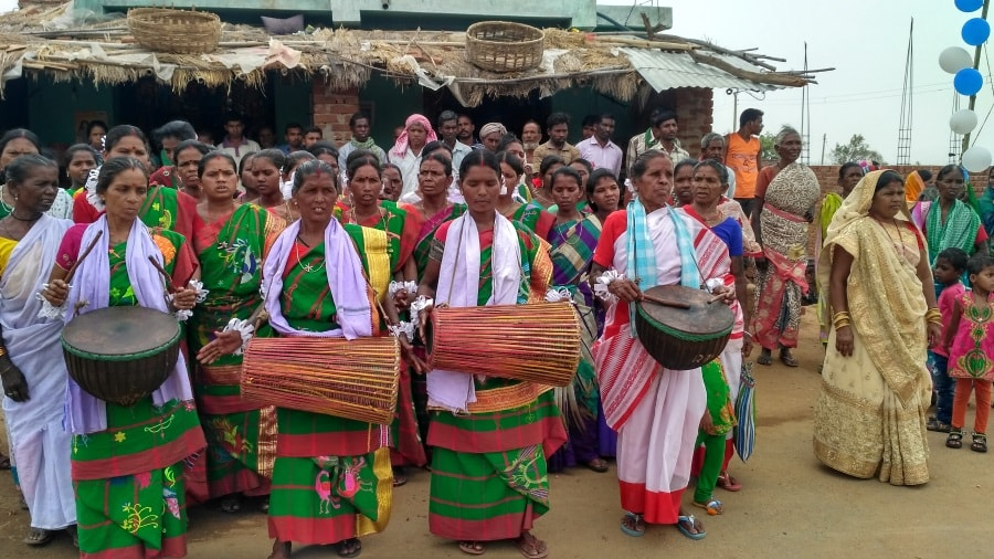 women-beat-mandar-celebrate-odf-status-of-29-villages-in-giridih