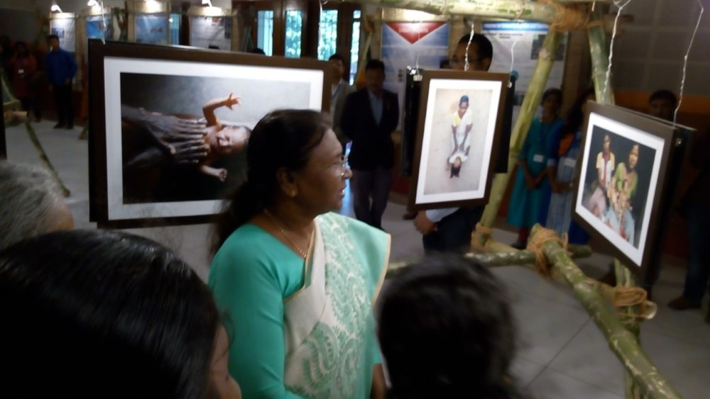 <p>On the last day, Jharkhand Governor&nbsp;Draupadi Murmu visited the Photo cum Poster exhibition being organised at St xavier College, Ranchi by NGO EKJUT.</p>