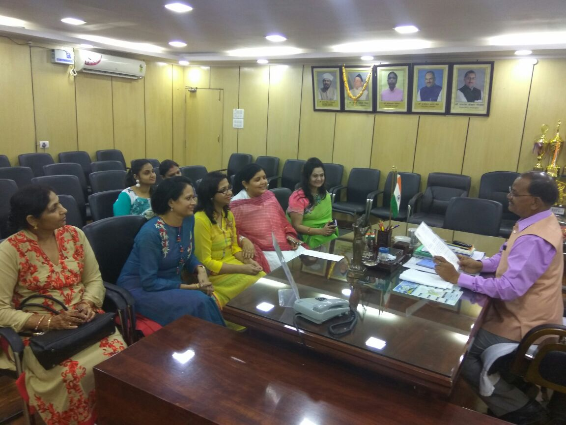 <p>IPSOWA representatives met Jharkhand Assembly Speaker Dinesh Uraon and invited him to attend Diwali Mela beginning from November 15 at JAP-1 premise in Ranchi.</p>