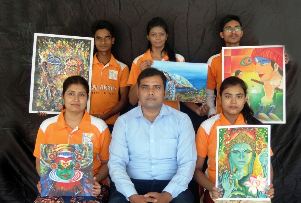 <p>कलाकृति स्कूल ऑफ़ आर्ट्स रांची के पांच छात्रों की पेंटिंग्स का चयन 25 से 30 जुलाई तक काठमांडू नेपाल में होने वाले &quot;द ब्लिस (The Bliss)&quot; अंतरास्ट्रीय चित्रकला प्रदर्शनी&#8230;