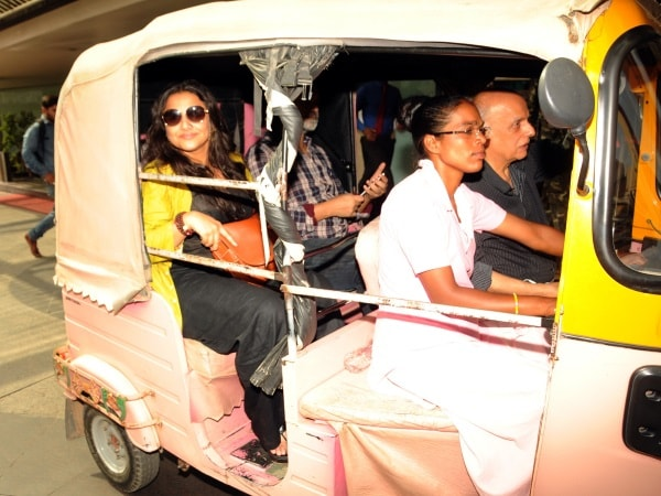 <p>Bollywood celebrities-Mahesh Bhatt and Vidya Balan taking ride in Ranchi by Auto&nbsp;</p>
