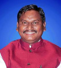 <p>Former Jharkhand CM Arjun Munda kick-started his election campaign as the BJP candidate from the Khunti Lok Sabha seat. On Thursday, Mr. Munda started his campaign by offering prayers…