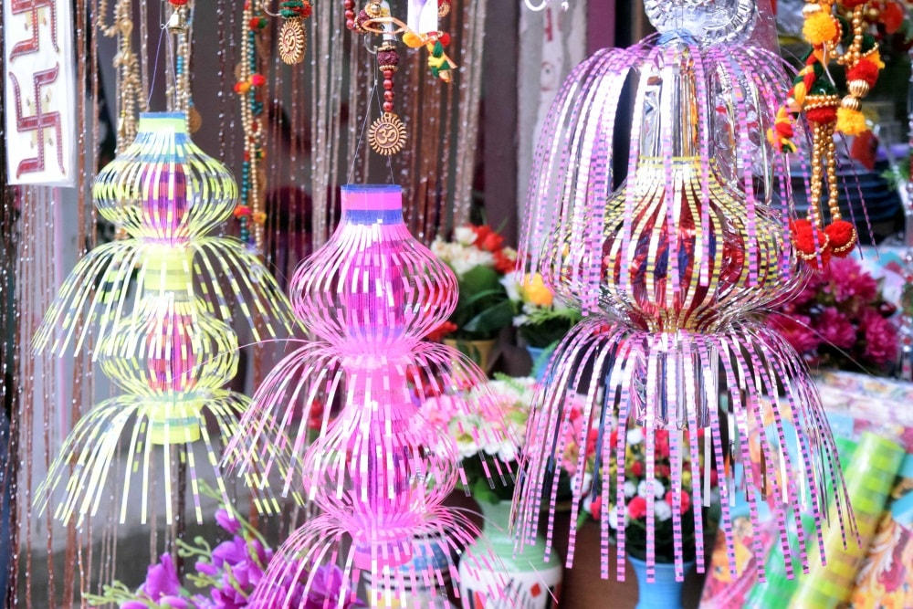<p>Apart from traditional earthen diyas, Chinese made diwali lights are also in huge demand in this Diwali.</p>