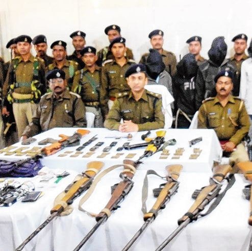 <p>In a joint operation against Maoists, a team of CRPF and Police recovered a huge cache of arms in Bhadua forest area under Hedarnagar police station in Palamu on Wednesday morning.…