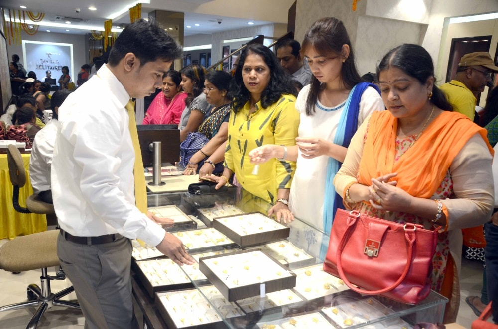 <p>Women buying gold ornaments on the occasion of Dhanteras festival at a Jewelry shop in Ranchi on Tuesday.&nbsp;</p>