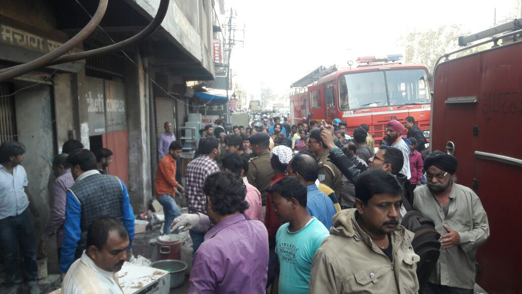 <p>Following a short-circuit, a cloth warehouse located at station road, Jamshedpur caught fire this morning.Two fire engines were used to douse the fire.No casualties have been reported…