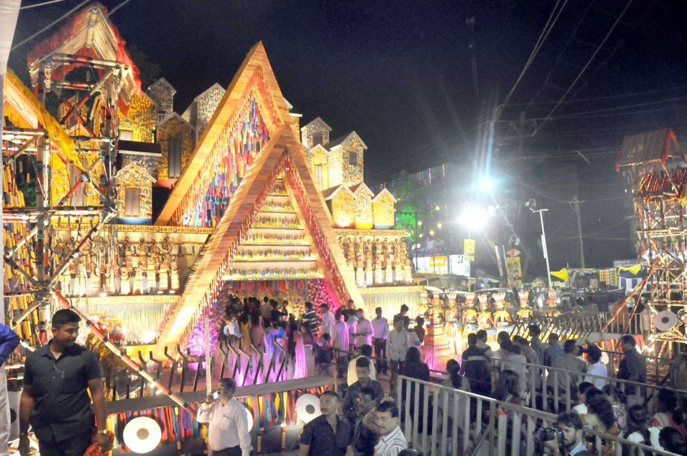 <p>Devotees gather at the RR Sporting Club at Ratu Road in Ranchi on Wednesday on the occasion of 'Maha Astami Puja'.</p>