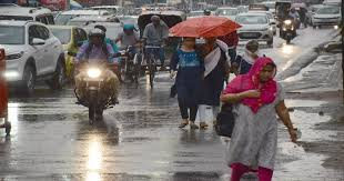 <p>Rain lashed Ranchi. And clouds in the sky offered relief from the humidity. Against average rainfall of 540.7 mm this year, Ranchi registered 334.5 mm during January1-July 31,2019.…