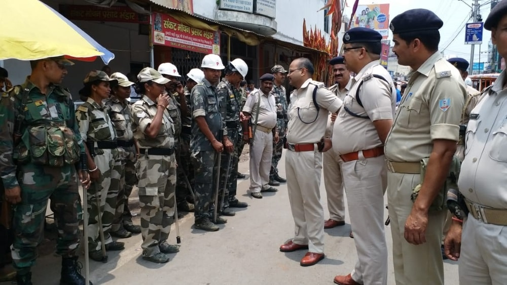 <p>रांची/ भाजपा युवा मोर्चा की रैली के दौरान घटना के बाद शहर की सुरक्षा बढ़ी, शहर के कई स्थानों पर बढ़ाई गई सुरक्षा | संवेदनशील स्थानों और कुछ धार्मिक स्थल के अलावे चौक-चौराहे हैं&nbsp;&#8230;