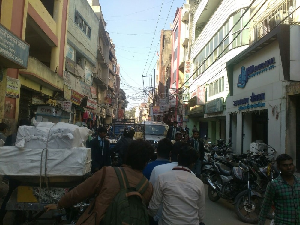 <p>Picture showing a scene of Upper Bazar, Ranchi where traffic is moving at snails pace due to traffic jam, as usual traffic police is nowhere in sight.</p>