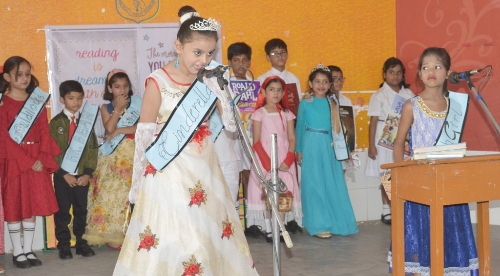 <p>Delhi Public school students participating in a speech competition during International Child Book Day-&quot;Book&#39;s the Perfect Buddy &quot; in Ranchi on Friday.&nbsp;</p>