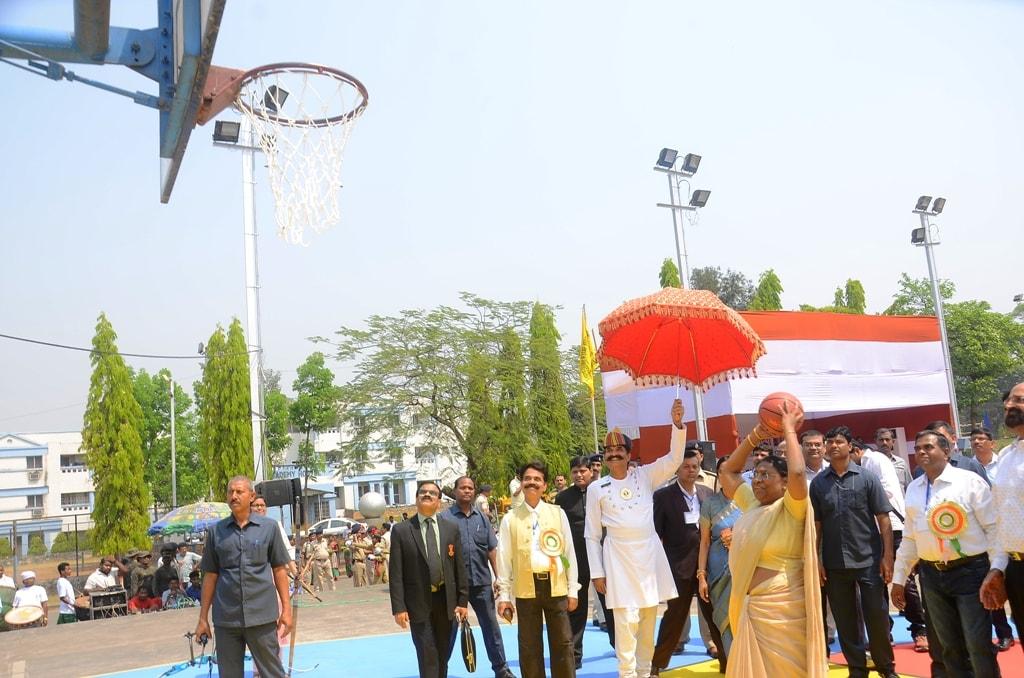 <p>जमशेदपुर-कोल्हान विश्वविद्यालय, चाईबासा द्वारा आयोजित अंतर विश्वविद्यालय चांसलर ट्राॅफी तीरंदाजी एवं बाॅस्केटबाॅल (पु0/म0) प्रतियोगिता के कार्यक्रम में भाग लिया |&nbsp;</p>