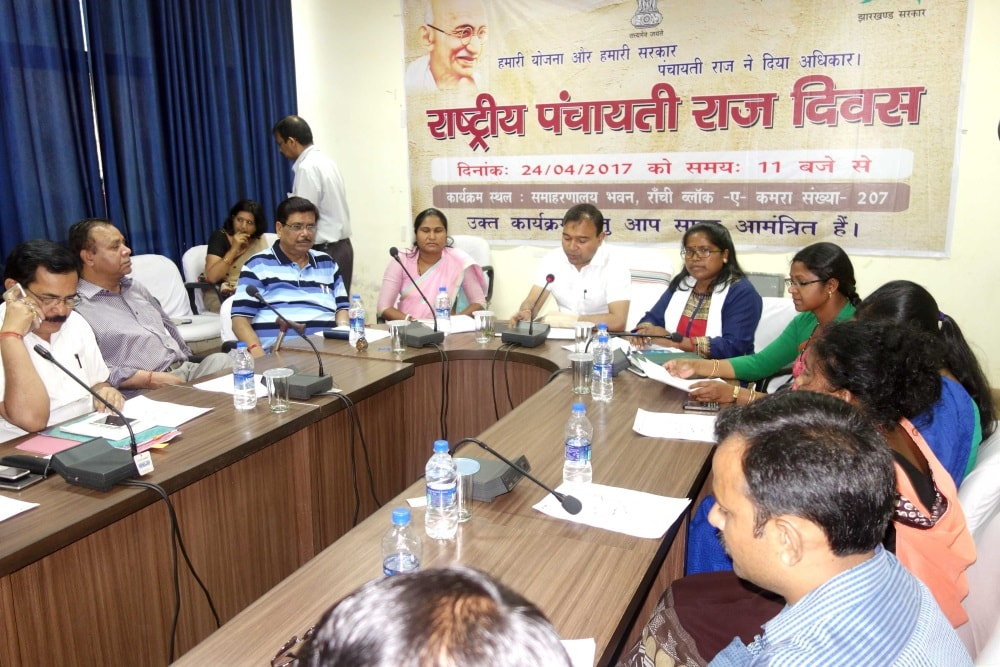 <p>Ranchi DC Manoj Kumar along with DDC Virendra Kumar Singh, SCPCR Chairperson Arti Kujur and Zila Parishad representative on the occasion of National Panchayati Raj Day programme…
