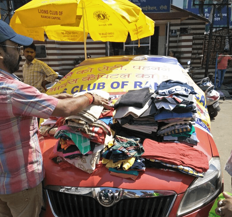 <p>Ranchi&nbsp;Mayor Asha Lakra today inaguarated a &#39;Cloth Bank&#39; van for the poor and needy&nbsp;at Firayalal chowk. This cloth bank van has been set up with assistance from&#8230;