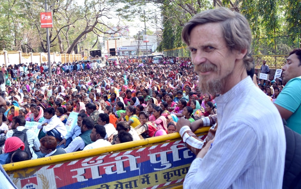 <p>BPL card holders from various villages staging a dharna demanding immediate withdrawal of &nbsp;&#39;Direct Benefit Transfer (DBT) for Food subsidy&#39; and restoration of old system&#8230;