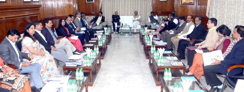<p>Chief Minister Raghubar Das along with  other Principal Secretary and Secretaries of different department during  a pre budget meeting in Ranchi on Thursday.</p>…