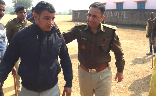 <p>On a tip-off, the police made a move and Keshav Dubey, the main accused in the murder of Vinod Bajpayee, a medicine businessman based at Deoghar, was arrested, said Deoghar SP Narendra…