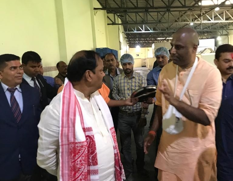 <p>CM Raghubar Das paid a visit to the Akshaya Patra&#39;s kitchen in Guwahati today and received all the details of their&nbsp;working, functions&nbsp;and other related information.</p>&#8230;