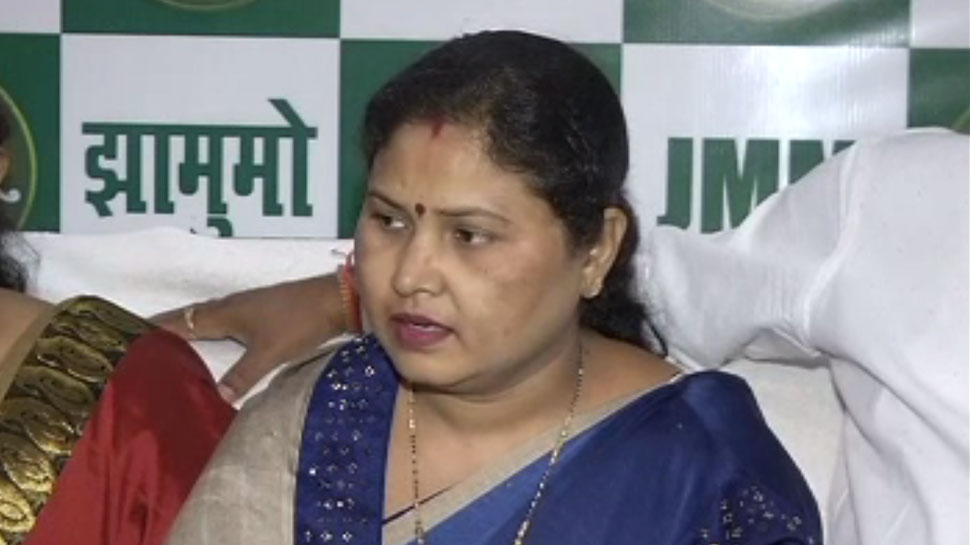<p>JMM candidate Babita Devi defeats BJP candidate Madhav Lal in Gomia assembly bypoll in Jharkhand</p>