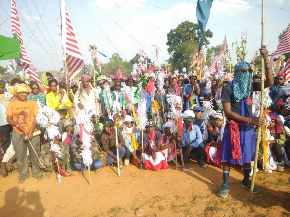 <p>नगड़ी प्रखंड के सीमावर्ती गांव हल्दीगड़ा में 12 पड़हा कच्छुआ समिति के द्वारा आज दो दिवसीय जनी शिकार का आयोजन किया गया जिसका आज समापन समारोह हल्दीगड़ा मैदान…