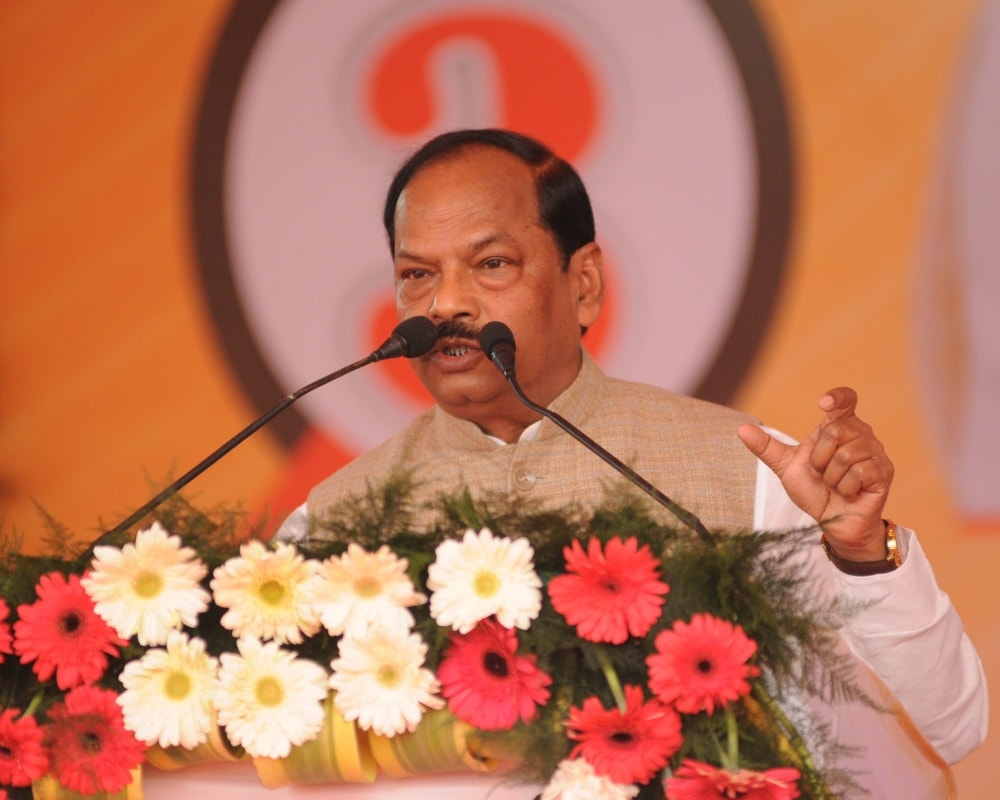 <p>Jharkhand chief Minister Raghubar Das addresses to the media persons after completion of three years of his BJP government at his residence in Ranchi on Thursday.</p>