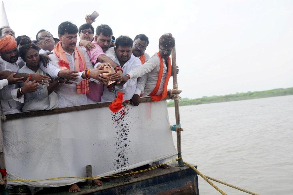 <p>Jharkhand Family Welfare Minister Louis Marandi, Agriculture Minister Randhir Kumar Singh, Labor Employment and Training Minister Raj Paliwal, MLA Anant Ojha, MLA Ashok Bhagat,…