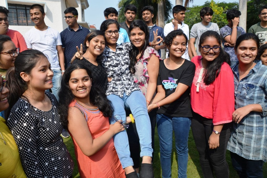 <p>Students celebrate their success after the declaration of Central Board of Secondary Education (CBSE)'s class 10th results at a school in Ranchi on Tuesday.</p>