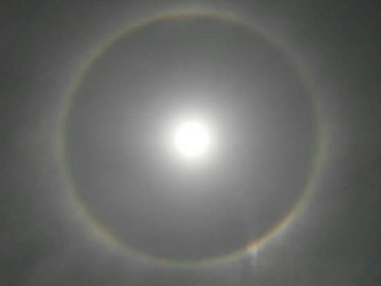 <p>22-Degree Halo formation around the sun on the skies of Ranchi April 11, 2018.</p>