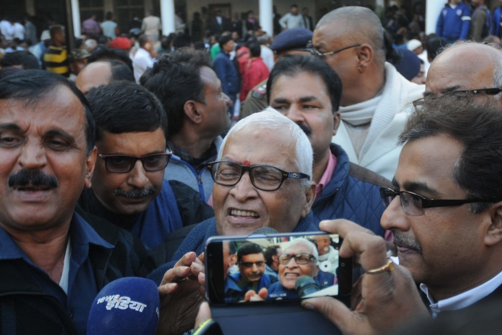 <p>Former Bihar Chief Minister Jagarnath Mishra talks with media persons after being clean-chit by the special CBI court in connection with Multi-Crore fodder scam case in Ranchi on&#8230;
