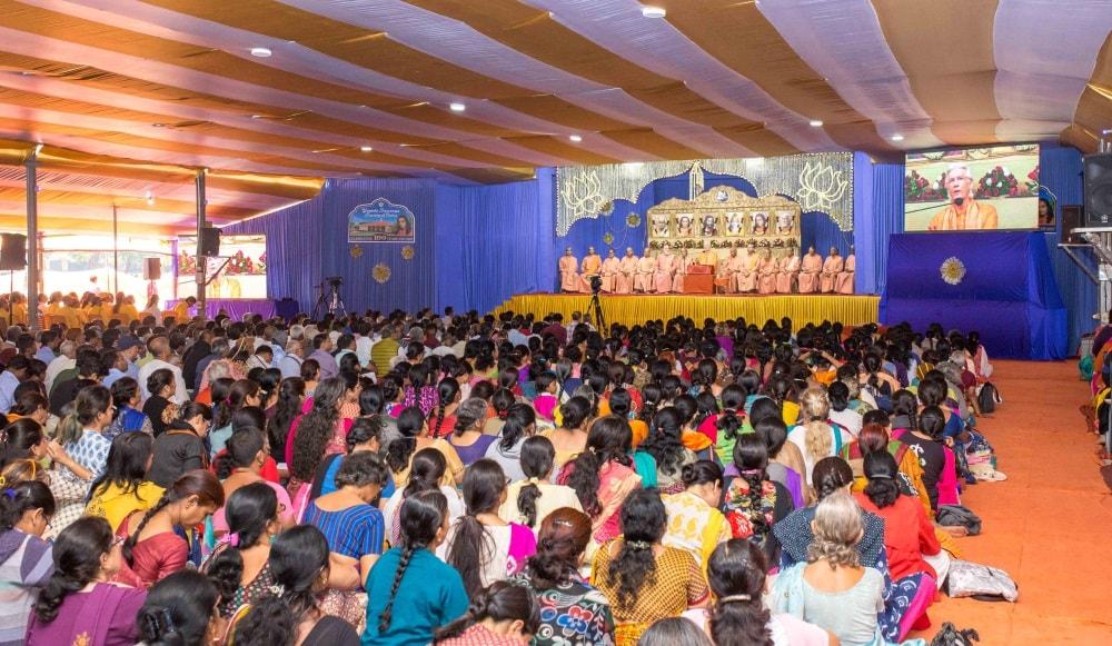 <p>Closing ceremony of Sharad Sangam-2017 at Yogda Ashram</p>