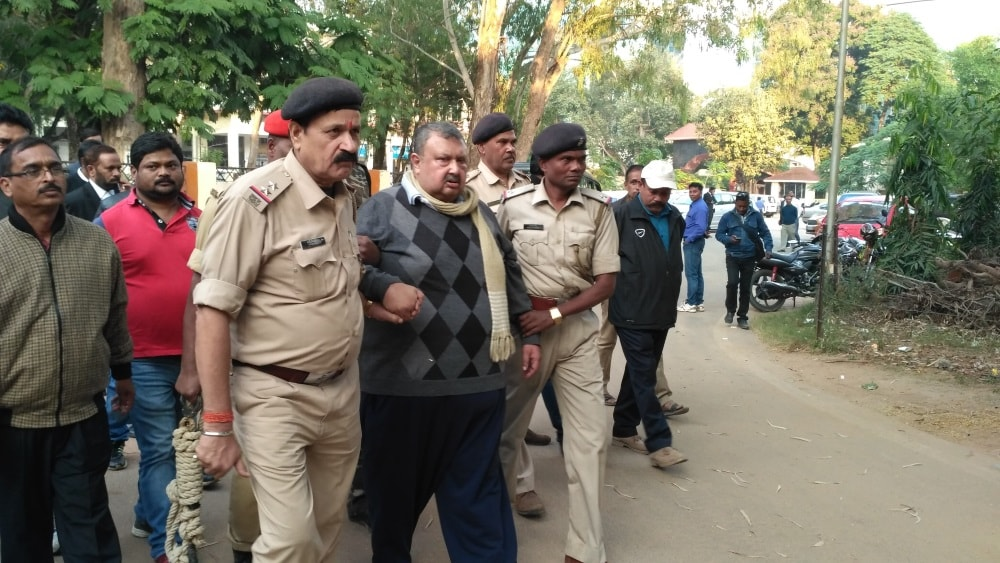 <p>Sajal Chakraborty, a 1980-batch Jharkhand-cadre IAS officer,who was removed as the state chief secretary Raghubar Das, perhaps because he did not fit in into his scheme of things,was…