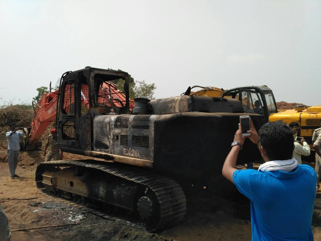 <p>Naxal attack at JSPL premise in Barkakana.Photograph taken by SAP jawan this morning.</p>