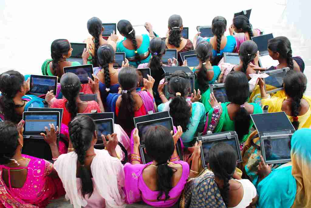 <p>To spread knowledge about technical issues connected with the structure of Art and film, a workshop on 'Visual Story Teller' was organized by a body called Jharkhandi…