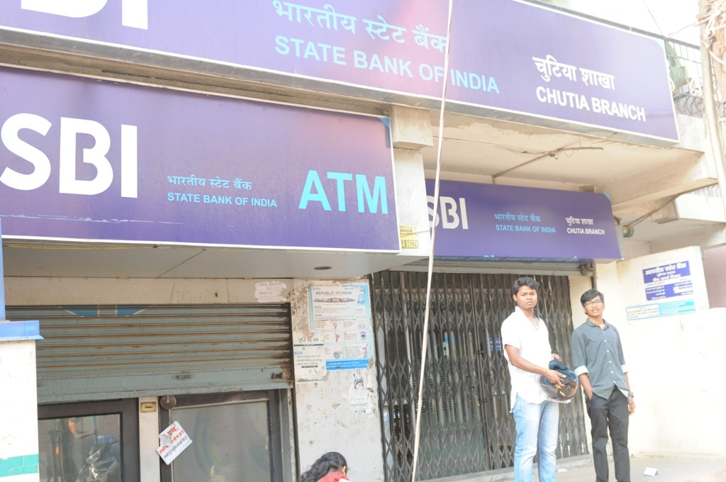 <p>Closed SBI ATM at Chutia branch in Ranchi on Tuesday. </p>
