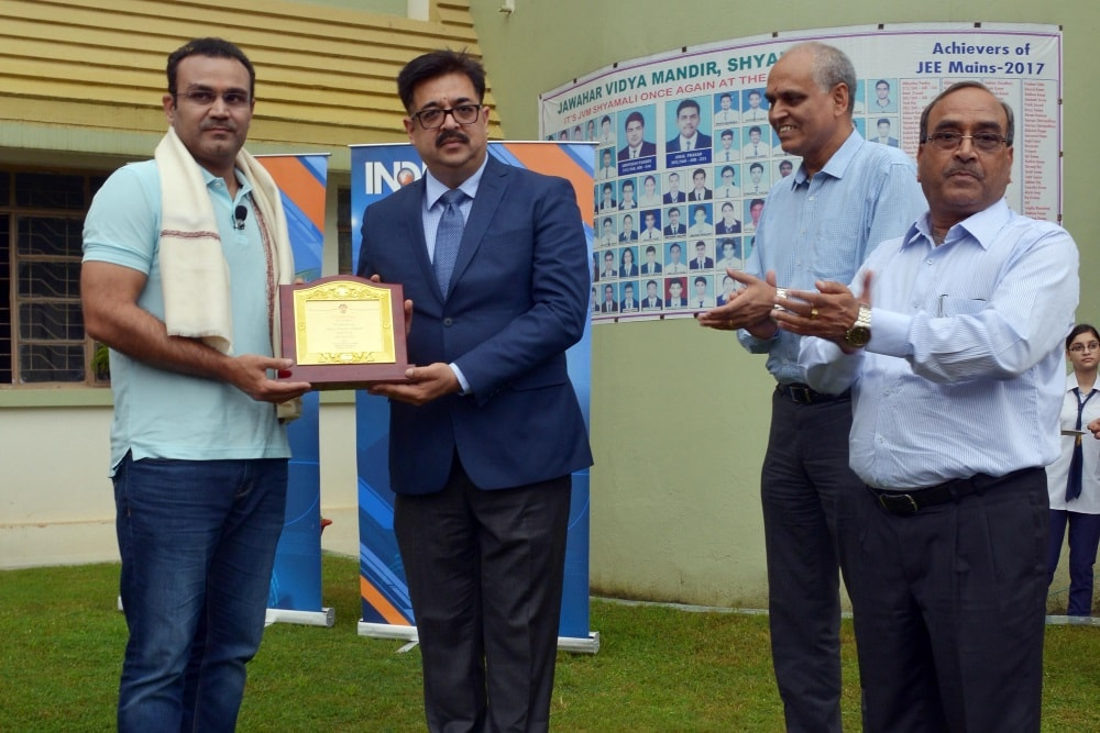 <p>CMD MECON Atul Bhatt felicitated former Indian Cricketer Virendra Sehwag during a programme in Ranchi on Friday</p>